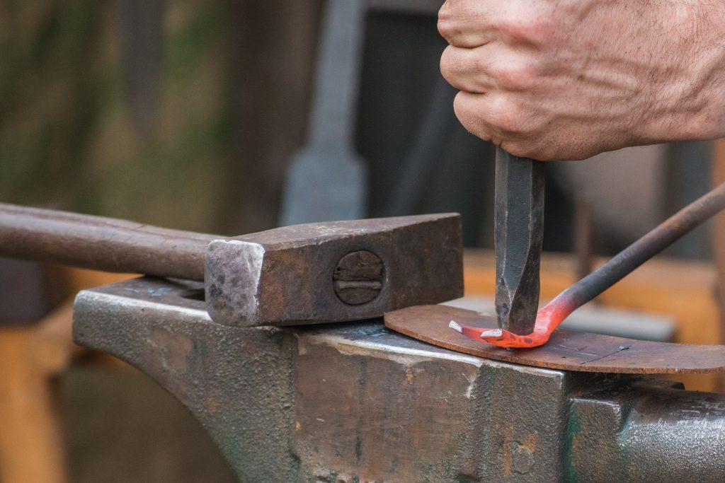تصویر آهنگری سنتی